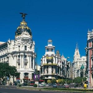 metropolis_building_in_madrid_spain